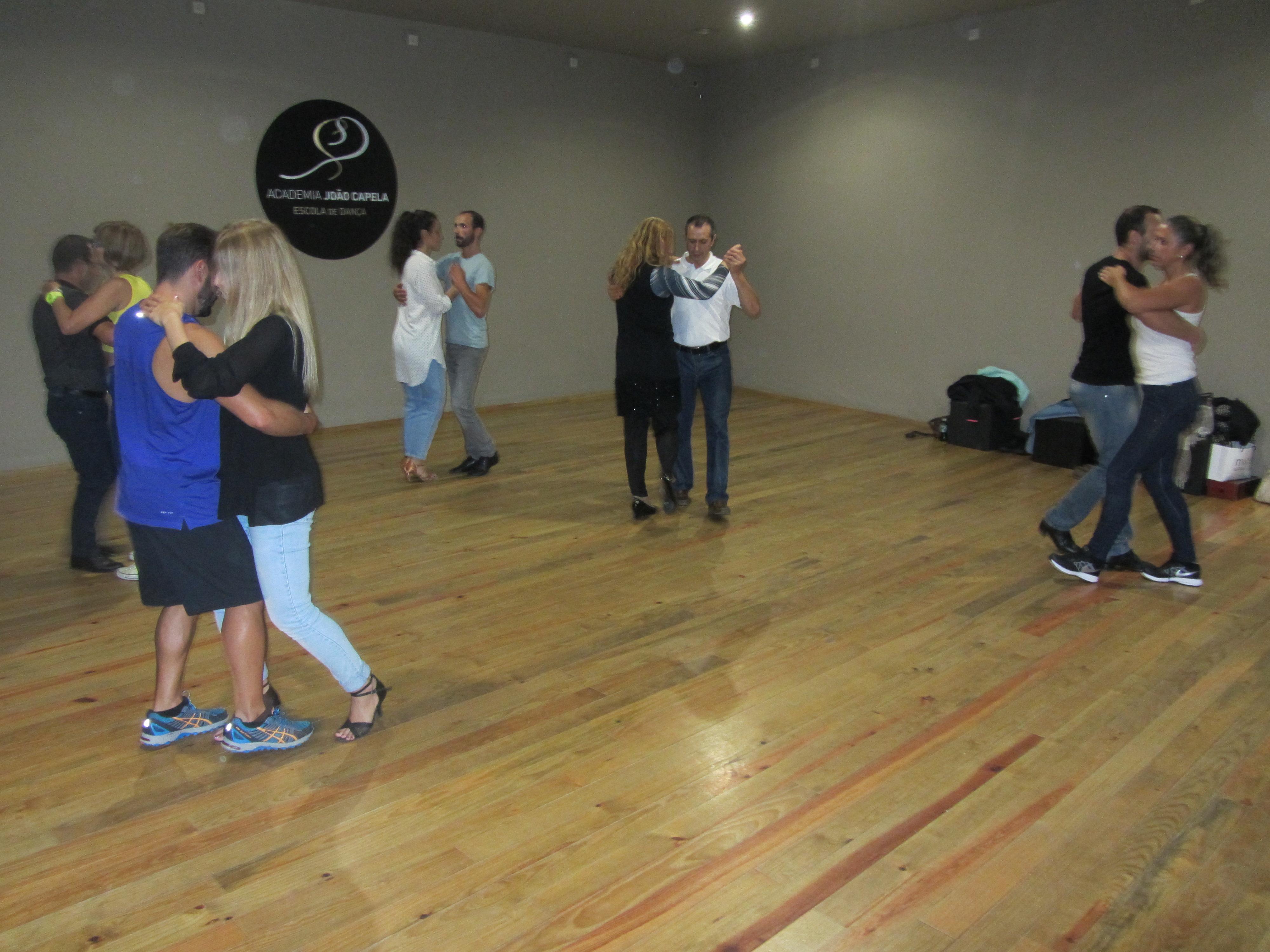 Kizomba e Ritmos Latinos Nível 3 - Academia Joao Capela em Barcelos