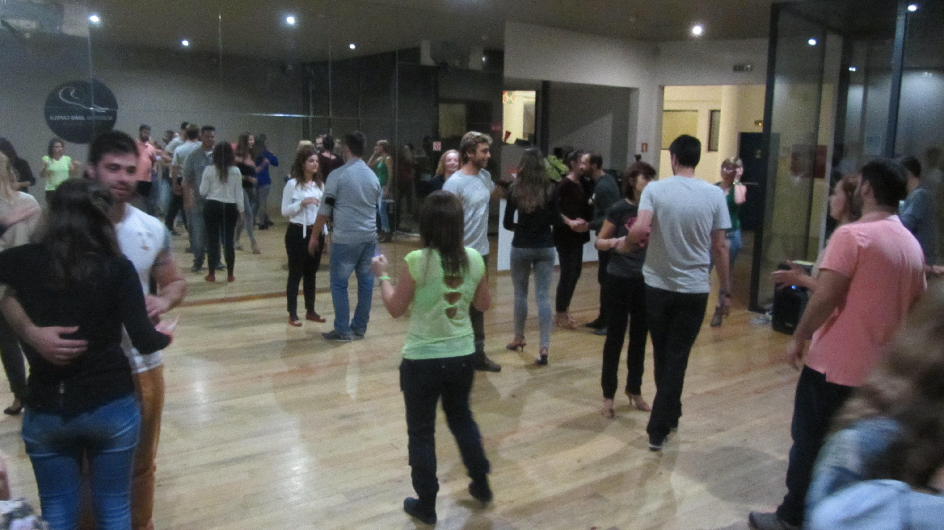 Turma de Kizomba e Ritmos Latinos Nivel 2 da Academia João Capela em Barcelos