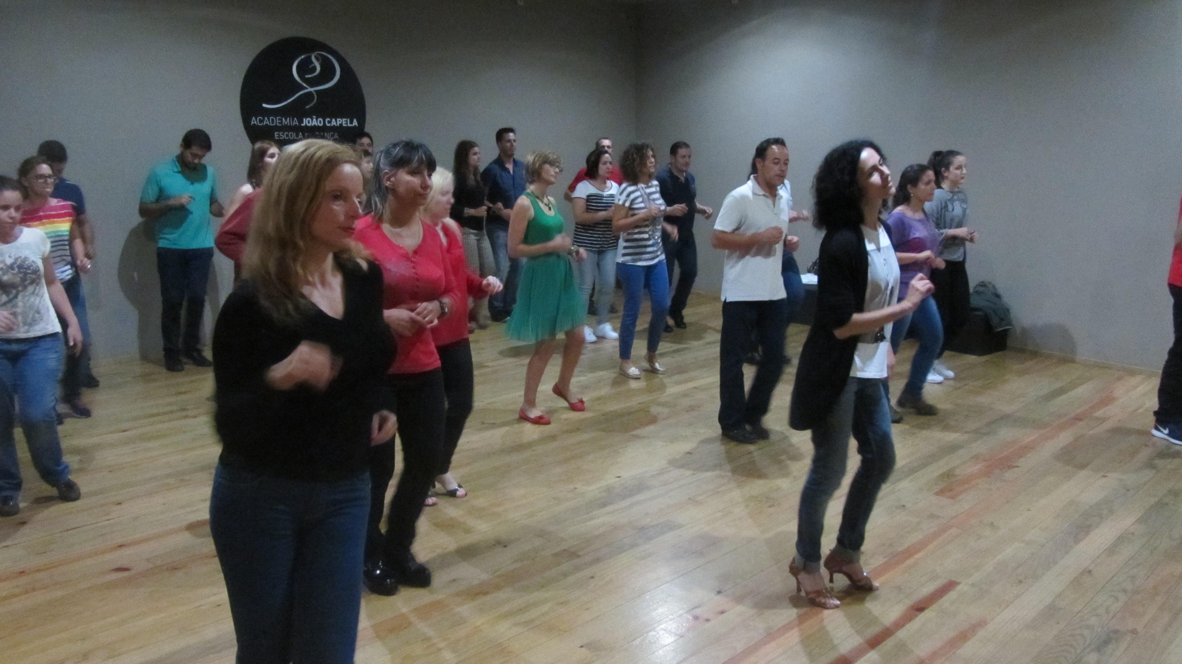 Aulas de Latin-Shine na Academia João Capela em Barcelos